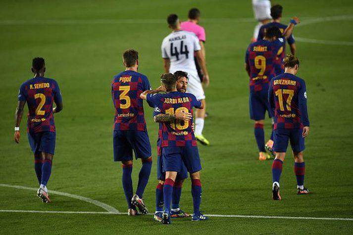 Lionel Messi fagnar í kvöld.