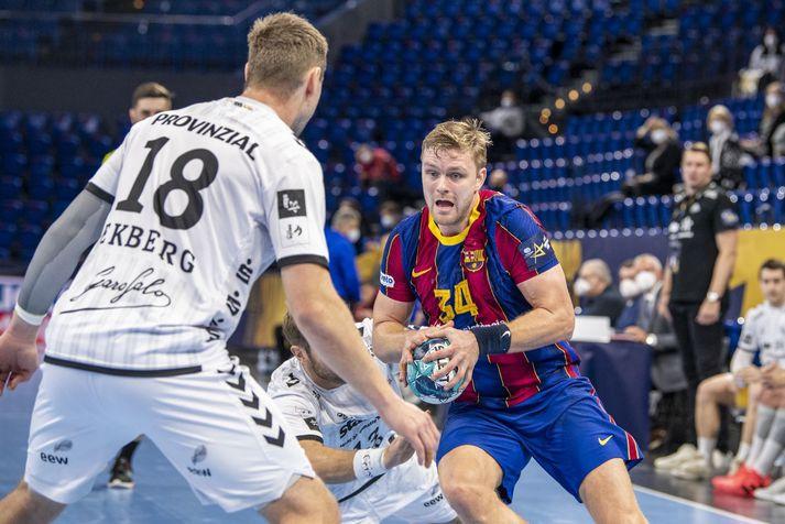 Aron Pálmarsson í leik með Barcelona á móti Kiel í Meistaradeildinni fyrr í vetur en liðin mætast í úrslitaleiknum í kvöld.
