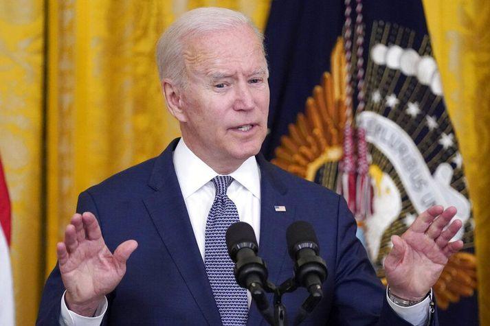 Joe Biden Bandaríkjaforseti skrifaði undir lögin í gær.