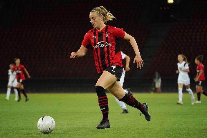 Guðný Árnadóttir í leik með AC Milan í Meistaradeildinni í fótbolta á dögunum.