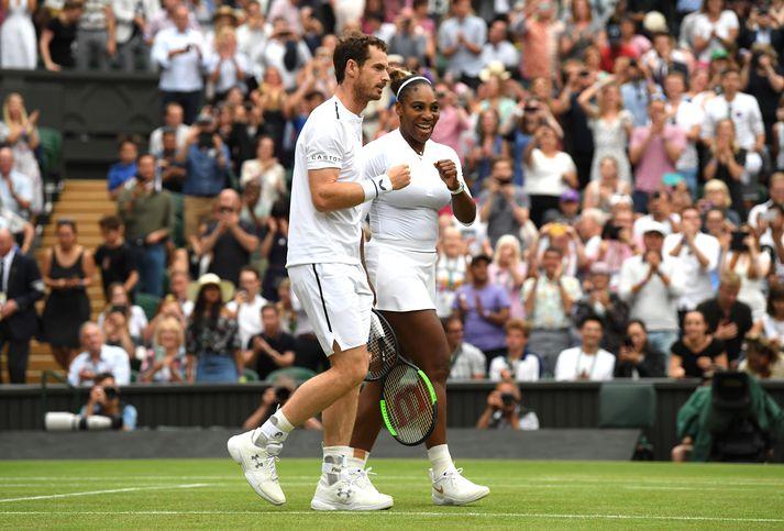 Andy og Serena fagna.