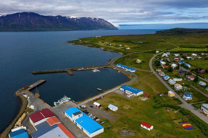 Maðurinn er grunaður um hin ýmsu brot í Hrísey í Eyjafirði.