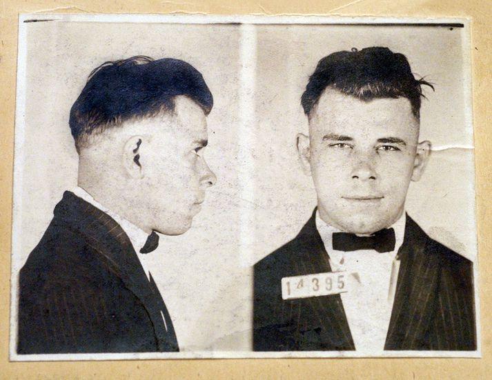 FBI segir öruggt að Dillinger sjálfur hafi verið skotinn og grafinn. Það hafi meðal annars verið staðfest með fingraförum.