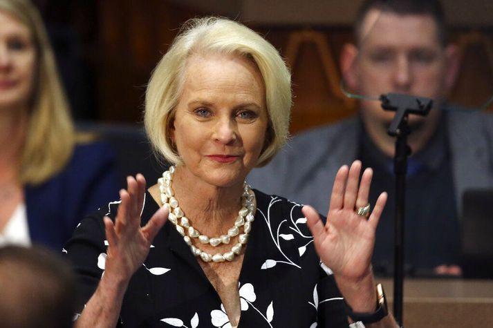 Cindy McCain ætlar að taka þátt í kosningabaráttuni Joe Biden í Arizona.