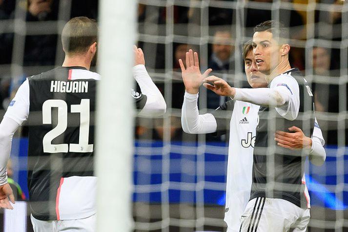 Ronaldo fagnar í kvöld.