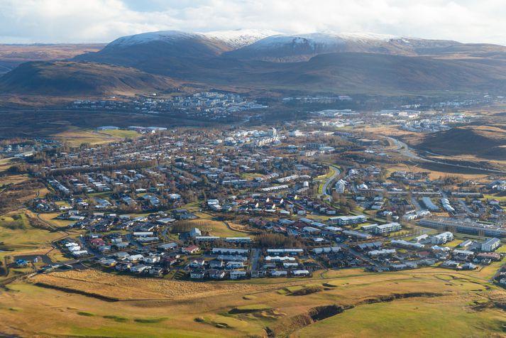 Ökumaðurinn var stöðvaður í Mosfellsbæ um klukkan níu í gærkvöldi.