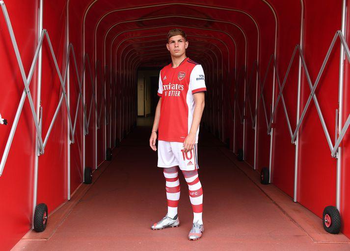 Emile Smith-Rowe hefur skrifað undir nýjan fimm ára smaning við Arsenal.