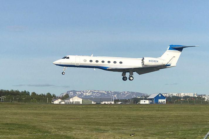 Þotan lendir á Reykjavíkurflugvelli í kvöld. Hún er af gerðinni Grumman Gulfstream, sem er ein dýrasta gerðin af einkaþotum.
