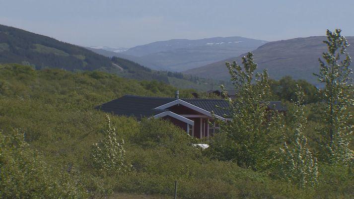 Um 600 sumarbústaðir eru í Skorradal.