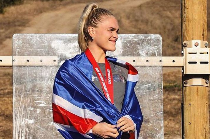 Katrín Tanja Davíðsdóttir á verðlaunapallinum sem önnur hraustasta kona CrossFit heimsins í dag.