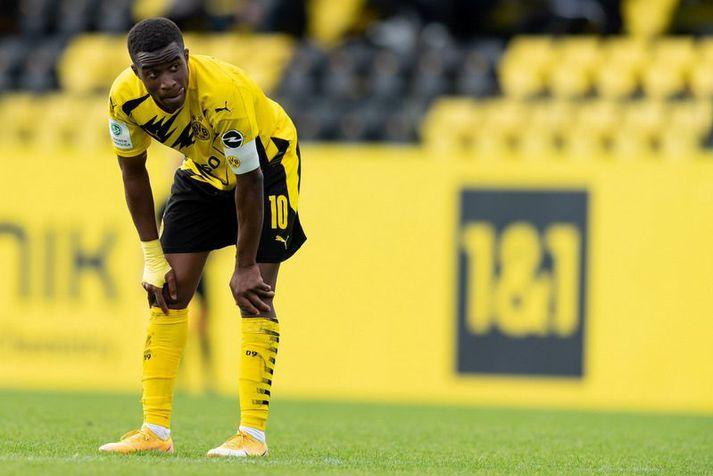 Youssoufa Moukoko er hungraður í spilatíma með aðalliði Borussia Dortmund nú þegar hann er orðinn sextán ára og löglegur.
