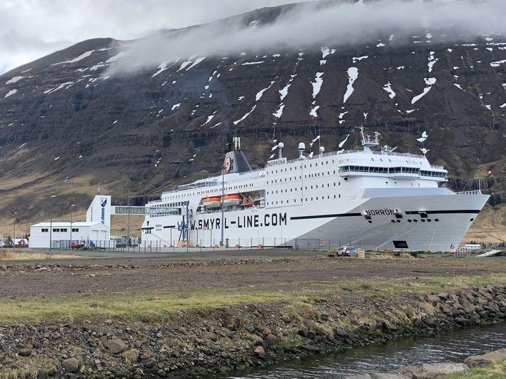 730 farþegar eru um borð í Norrænu.