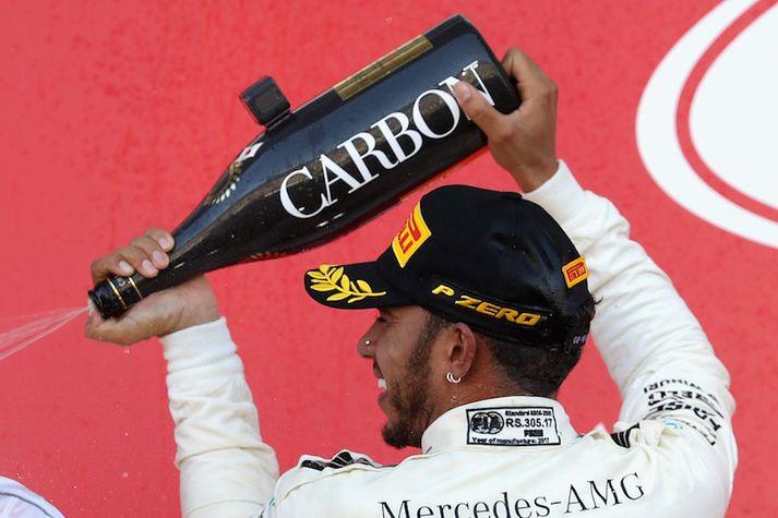 Lewis Hamilton er svo gott sem kominn með aðra höndina á titilinn.
