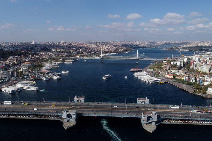 Bosporus er sundið sem skiptir Istanbul borg á milli Evrópu og Asíu en það tengir líka Svartahaf við Marmarahaf.