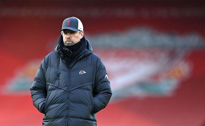 Jürgen Klopp er þjálfari Liverpool sem mætir grönnum sínum í Everton í dag.