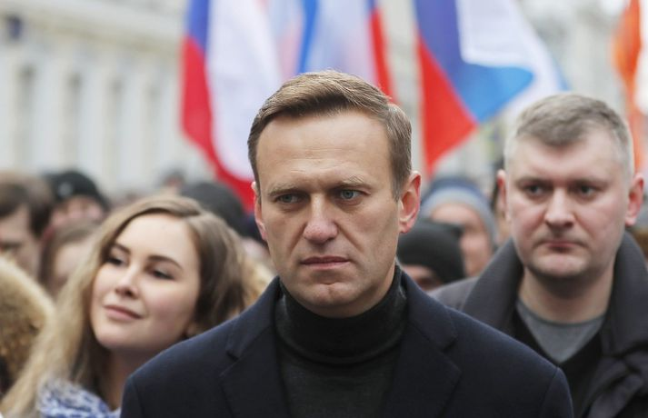 Þrír útsendarar FSB flugu með Navalny til borgarinnar Tomsk, þar sem talið er að eitrað hafi verið fyrir honum.