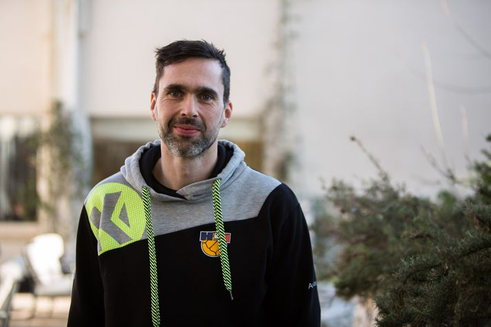 Ásgeir Örn í blíðunni i Split.
