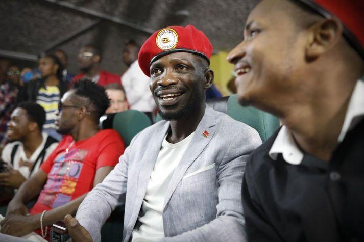 Poppstjarnan Bobi Wine er sá sem er talinn líklegastur til að geta velgt sitjandi forseta Úganda undir uggum í forsetakosningunum í janúar.