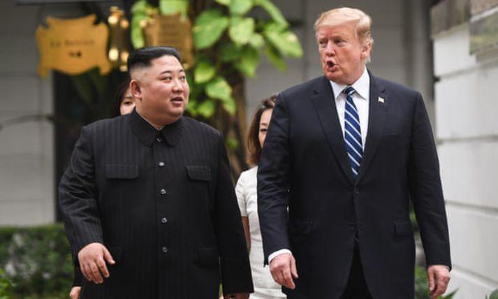 Vel fór á með þeim Kim Jong-un og Donald Trump í gær. Fundur þeirra í dag varð hins vegar ekki jafn árangursríkur og vonir höfðu staðið til.