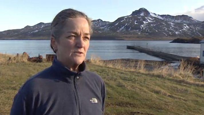 Helga Björg Eiríksdóttir, húsmóðir og harðfiskverkandi á Borgarfirði eystra.