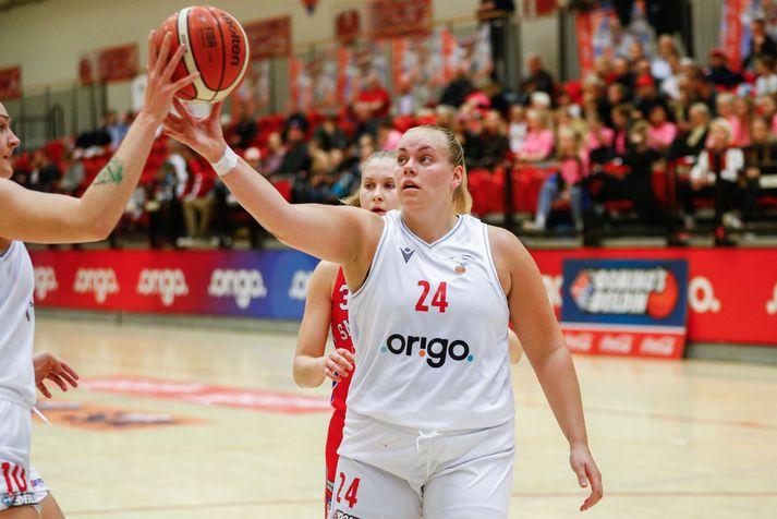 Helena Sverrisdóttir missti af mörgum leikjum Vals fyrir áramót.