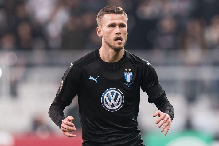 Arnór í leik með Malmö.
