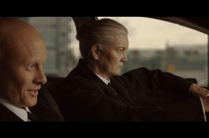 Tómas Lemarquis sem Vincent Vega og Halldóra Geirharðsdóttir sem Jules Winnfield