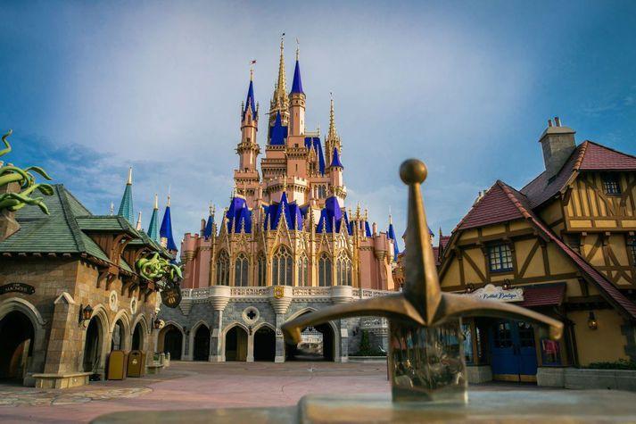 Skemmtigarður Walt Disney í Orlando í Flórída var opnaður aftur í sumar en fáir hafa komið í garðinn.
