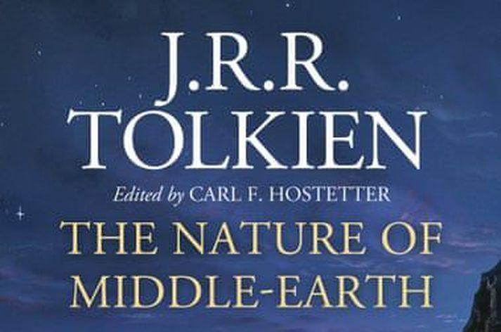 Hobbitinn kom út árið 1937, fyrst bóka Tolkien um Miðgarð. Hringadróttinsaga fylgdi á eftir, árin 1954 og 1955.