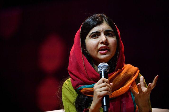 Malala Yousafzai var aðeins fimmtán ára gömul þegar talibanar skutu hana fyrir að berjast fyrir réttindum stúlkna til náms í Pakistan.
