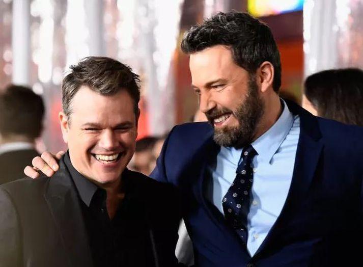 Matt Damon og Ben Affleck eru sennilega frægasta dæmið um mikla vináttu alveg frá skólagöngu þeirra. Þeir voru saman í skóla í Massachusetts í Cambridge Rindge og Latin School.