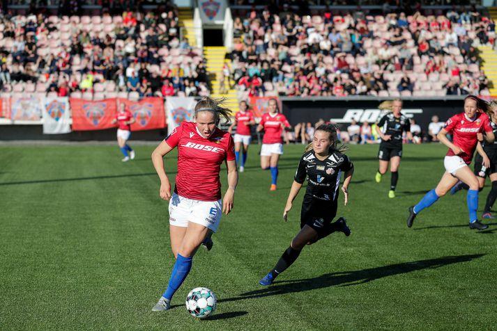 Hlín Eiríksdóttir kom Val á bragðið strax á 5. mínútu.