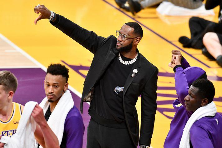 LeBron James var óvenju mikið frá vegna meiðsla í vetur og Lakers liðið hrundi á meðan.