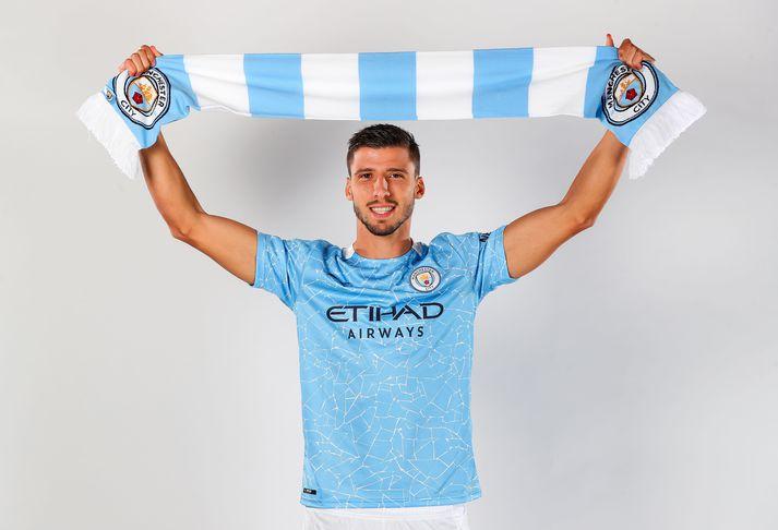 Rúben Dias í búningi Manchester City.