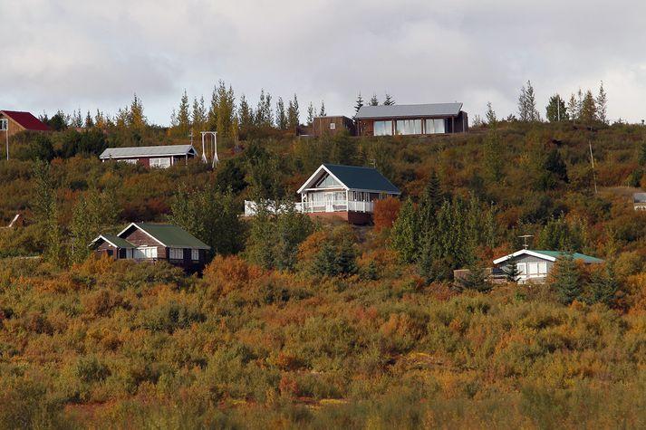 Sumarbústaðir njóta sem fyrr töluverðra vinsælda.