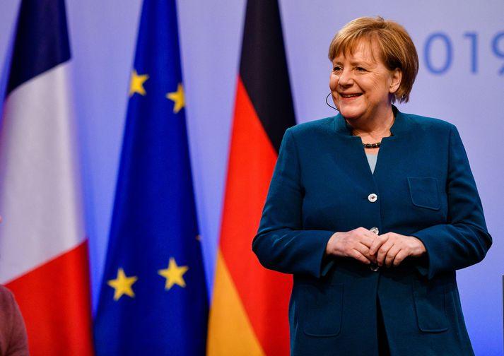 Merkel ætlar að segja skilið við Fésbókina.