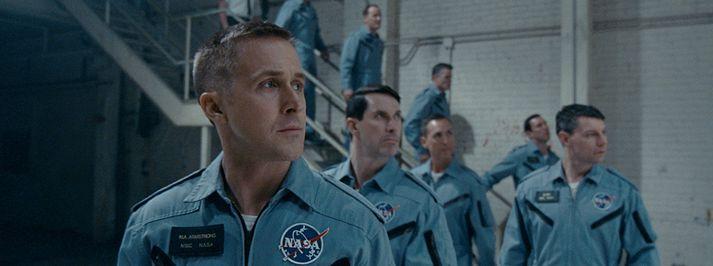 Ryan Gosling leikur geimfarann Neil Armstrong í myndinni.