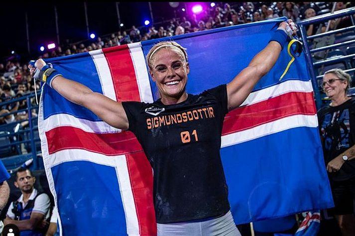 Sara þarf að vinna upp 16 stiga forskot Toomey í dag.