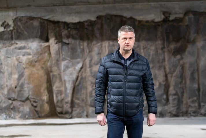 Jóhannes Stefánsson segist hafa verið örvinglaður og leitað í áfengi á þeim tíma sem hann hringdi í þáverandi eiginkonu sína.