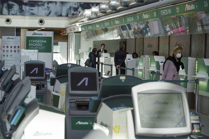 Búið var að reyna að selja Alitalia til Lufthansa og Forrovie dello Stato, sem rekur lestar Ítalíu.