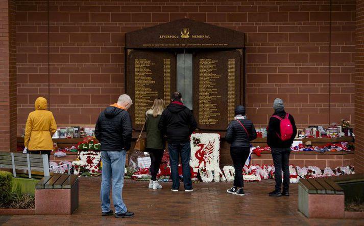 Minnisvarði með nöfnum þeirra 96 stuðningsmanna Liverpool sem létust í Hillsborough-slysinu við Anfield Road.