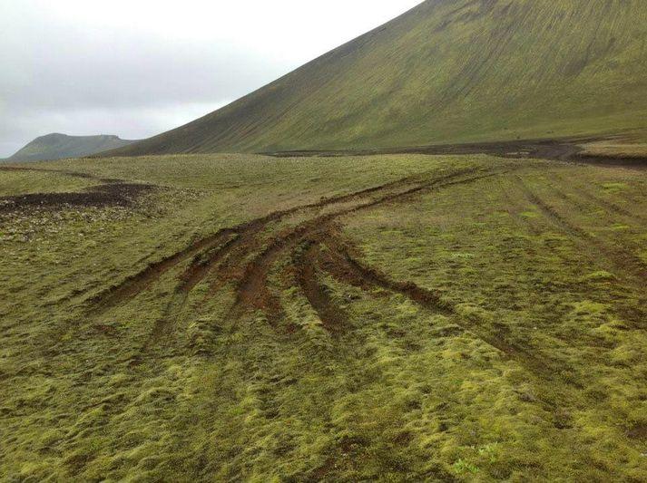 Reglulega berast fréttir af utanvegaakstri í friðlandi að Fjallabaki.