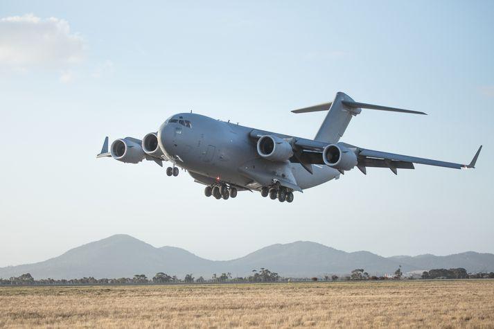 C-17 herflutningavélar á vegum bandaríska flughersins hafa verið að flytja fólk frá flugvellinum í Kabúl síðustu daga.