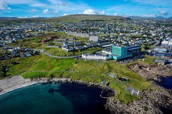 Bólusetningar eru sagðar hafa gengið vel fyrir sig í Færeyjum undanfarið og hafa tæplega 35 prósent fengið fyrri skammt.