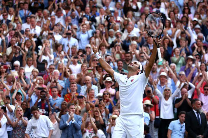 Roger Federer er kominn í úrslit Wimbledon.