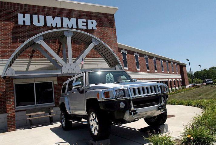 Þessi Hummer H3 var fyrir utan bílasölu í Detroit á meðan fjármálakerfið hrundi árið 2008. Óljóst er hvar bíllinn er í dag.