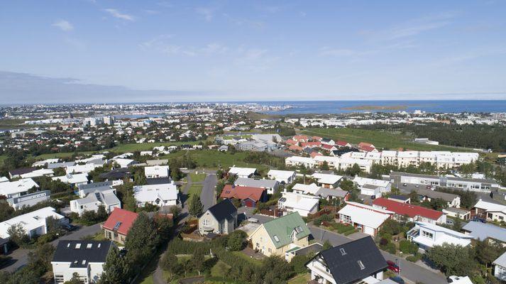 Meðalheimili á Íslandi notar á bilinu 4 til 5 þúsund kílóvattstundir af rafmagni á ári.