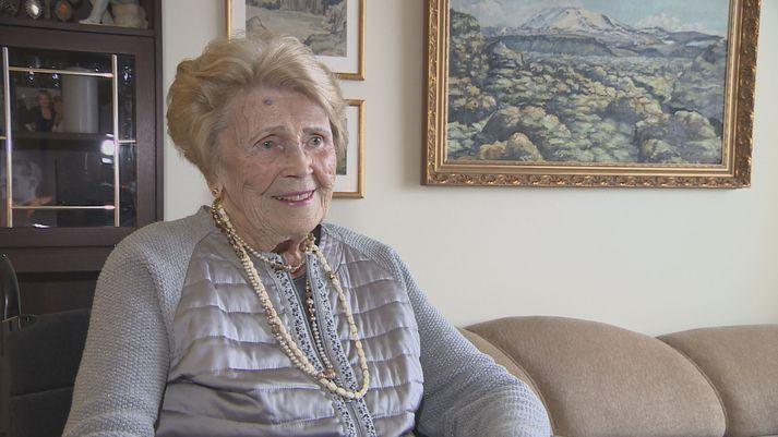 Bertha María Grímsdóttir Waagfjørd er 95 ára.