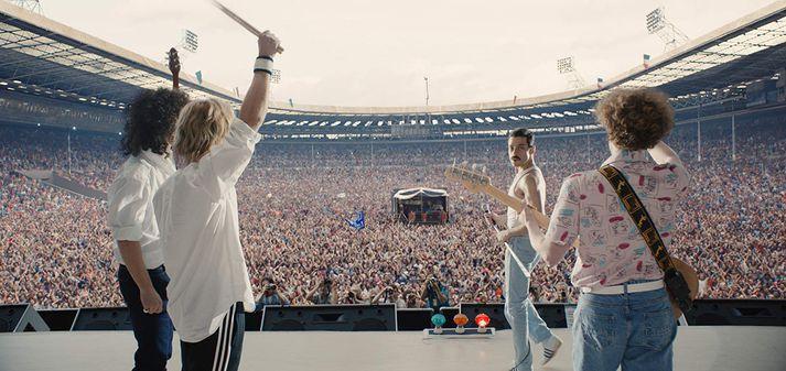 Stilla úr myndinni þar sem Live Aid-tónleikar Queen eru endurgerðir með frábærum árangri.