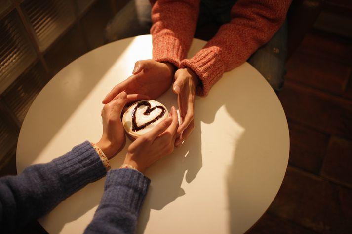 Flestir segjast kjósa kaffispjall, göngutúr eða út að borða á fyrsta stefnumóti.